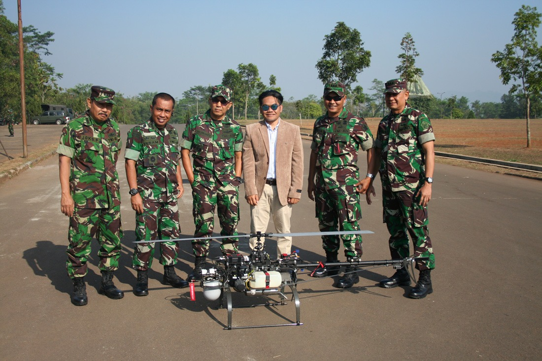 Indonesian Army with an Alpha 800